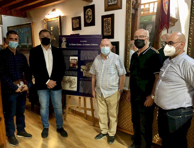 Exposición de panelería histórica en el Centro de Mayores de San Pedro.