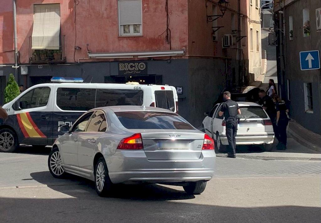 Detenido en Puerta Valencia al darse a la fuga y chocar contra un coche patrulla