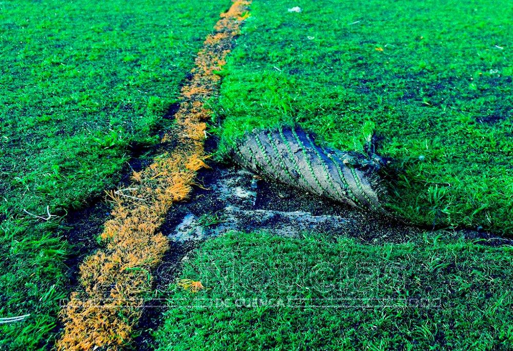 El Consistorio cambiará el césped del campo de fútbol de Tiradores
