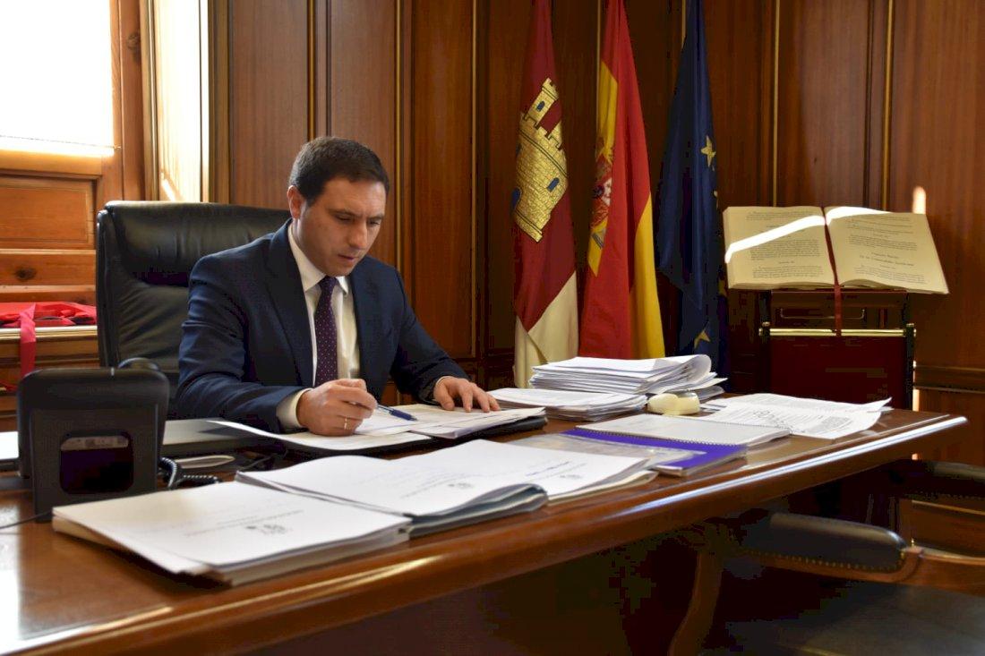 Martínez Chana firma la adquisición de la primera parcela del Parque Científico y Tecnológico