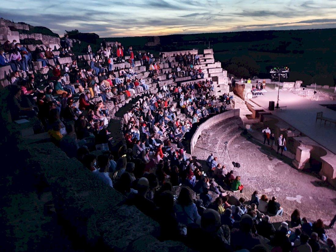 Segóbriga Victrix culmina con una asistencia de 2.000 espectadores
