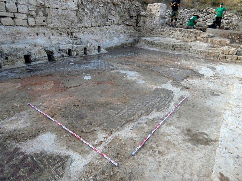 Las excavaciones del mosaico confirman la monumentalidad de las termas de Valeria