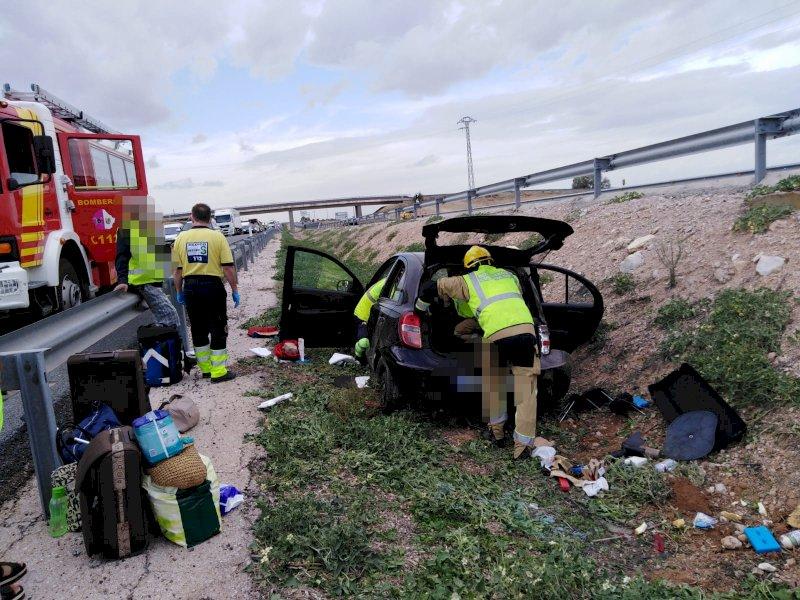 Bomberos rescatan a una persona tras un accidente en Villarrubio