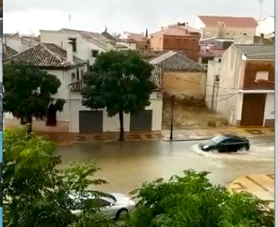 La DANA inunda garajes y viviendas en Las Pedroñeras