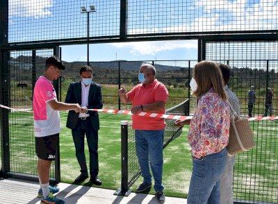 Alcalá de la Vega cuenta con una nueva pista de pádel