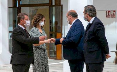 Page y Ayuso se marcan como reto que Madrid y CLM compartan historias médicas