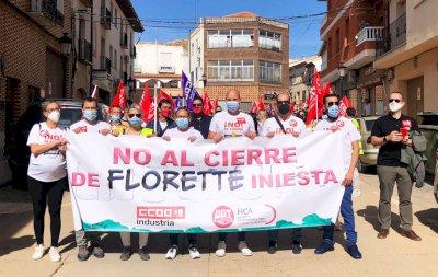 Medio millar de personas protestan contra el cierre de Florette en Iniesta