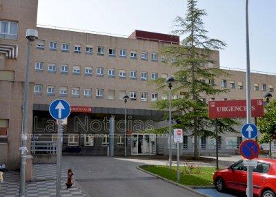 Trasladan al hospital a una persona por inhalación de humo en un incendio