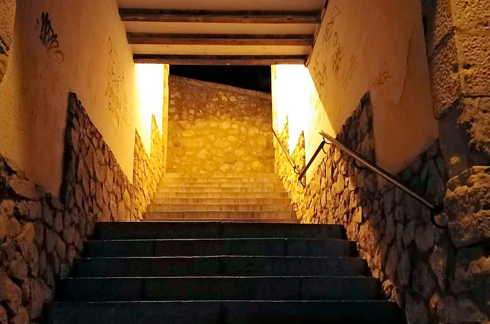 Instrucciones para subir una escalera (conquense)