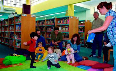 Lectura para los más pequeños en la Biblioteca Pública