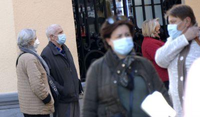 Dos fallecidos y 180 nuevos contagios por Covid en la provincia desde el viernes