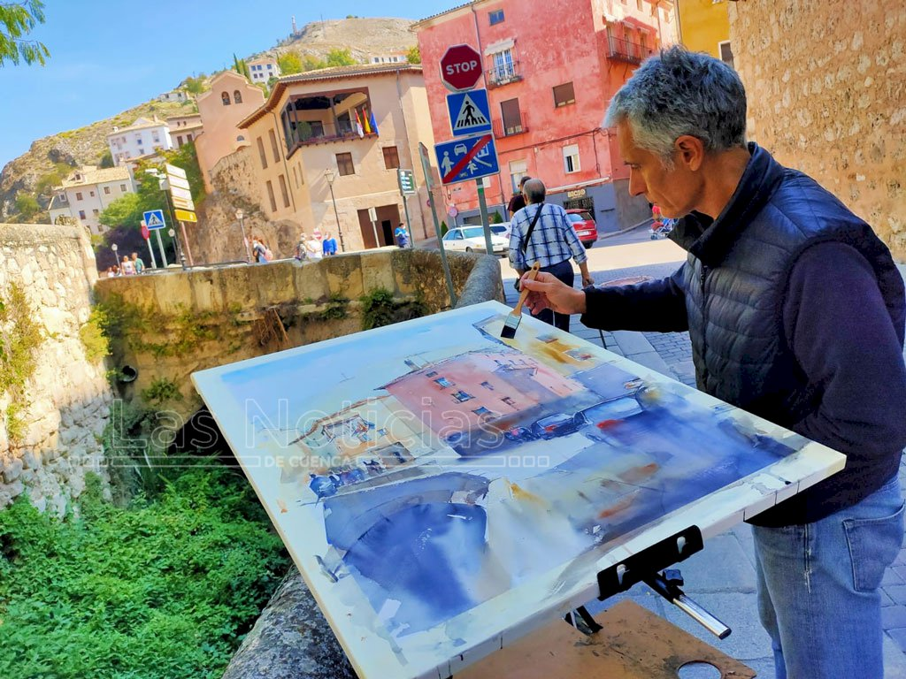 Artistas de todo el país llenan de color las calles de Cuenca