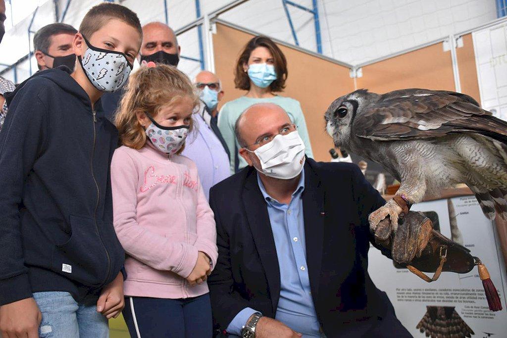 Guijarro anuncia 350.000 euros para mejoras del Parque Natural de la Serranía