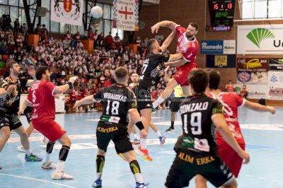 El Incarlopsa Cuenca vence en casa al Ademar León en un gran partido (34-30)