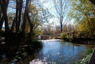 Vecinos de Villaba de la Sierra entregan firmas a su Ayuntamiento para pedir la defensa de los espacios naturales