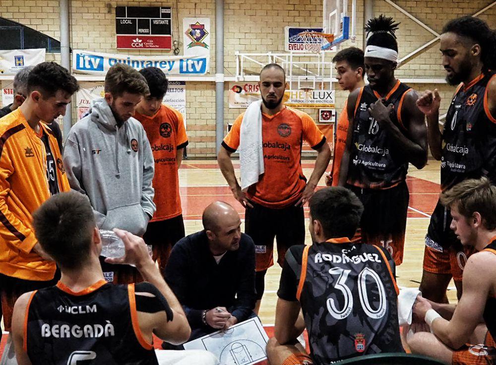 Un tercer cuarto ejemplar guía al triunfo al Basket Globalcaja Quintanar en su debut