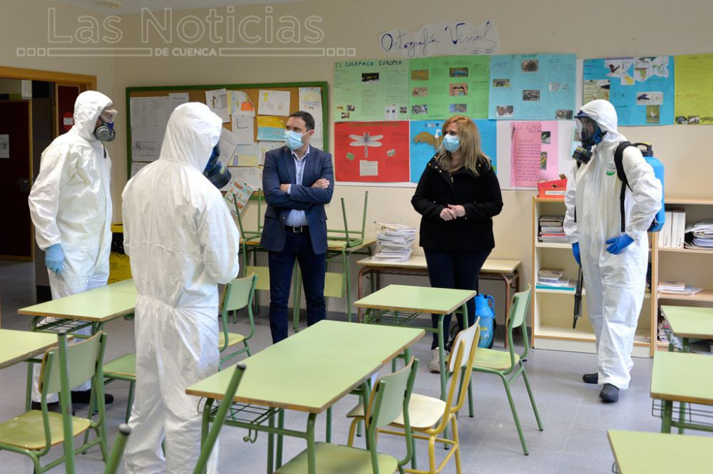 Diputación prorroga las ayudas para la limpieza de colegios hasta fin de curso