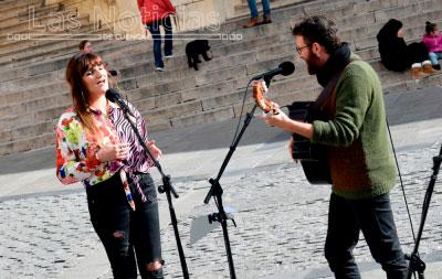 Rozalén y Zas!! Candil Folk, en la Plaza Mayor de Cuenca