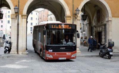 Más de 3.800 personas utilizaron los autobuses lanzadera al Casco