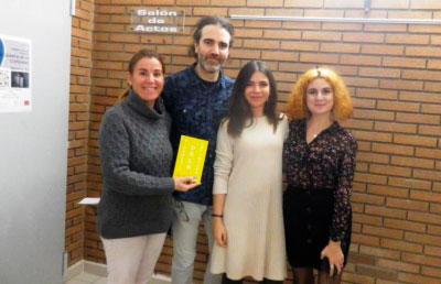 """La joven poetisa taranconera Mónica Sol presenta """"Biografía de lo cotidiano"""""""