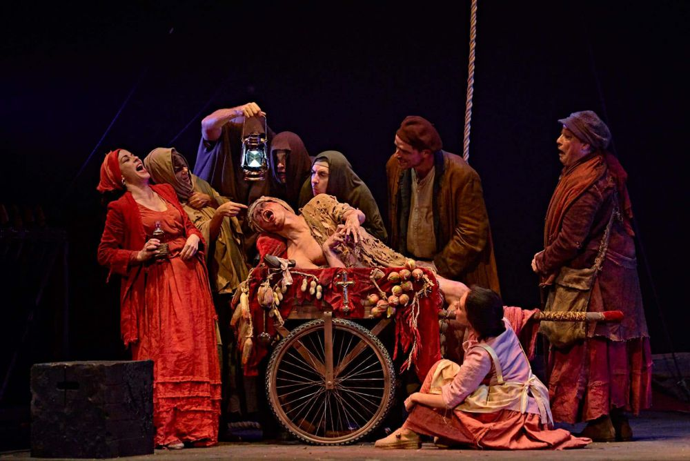 Divino y cruel Teatro